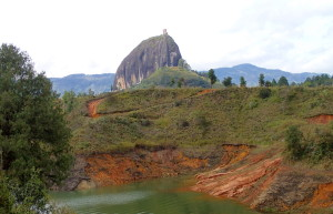 Peñón de Guatapé landscape photo colombia