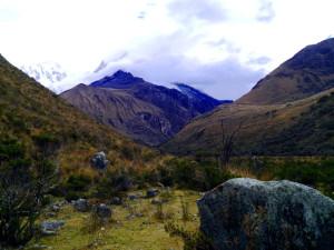 Luguna 69 Hike Mountain