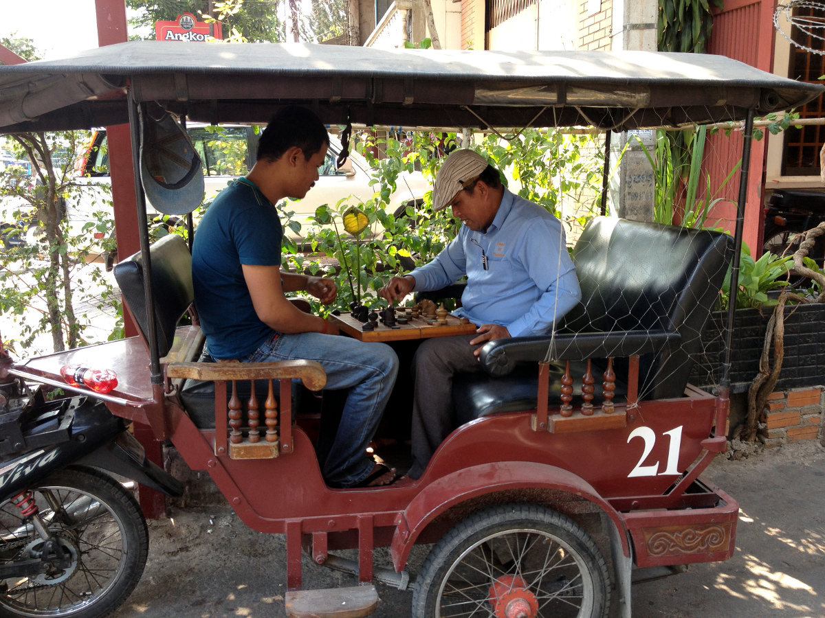 Tuk Tuk Chess Game Phnom Penh