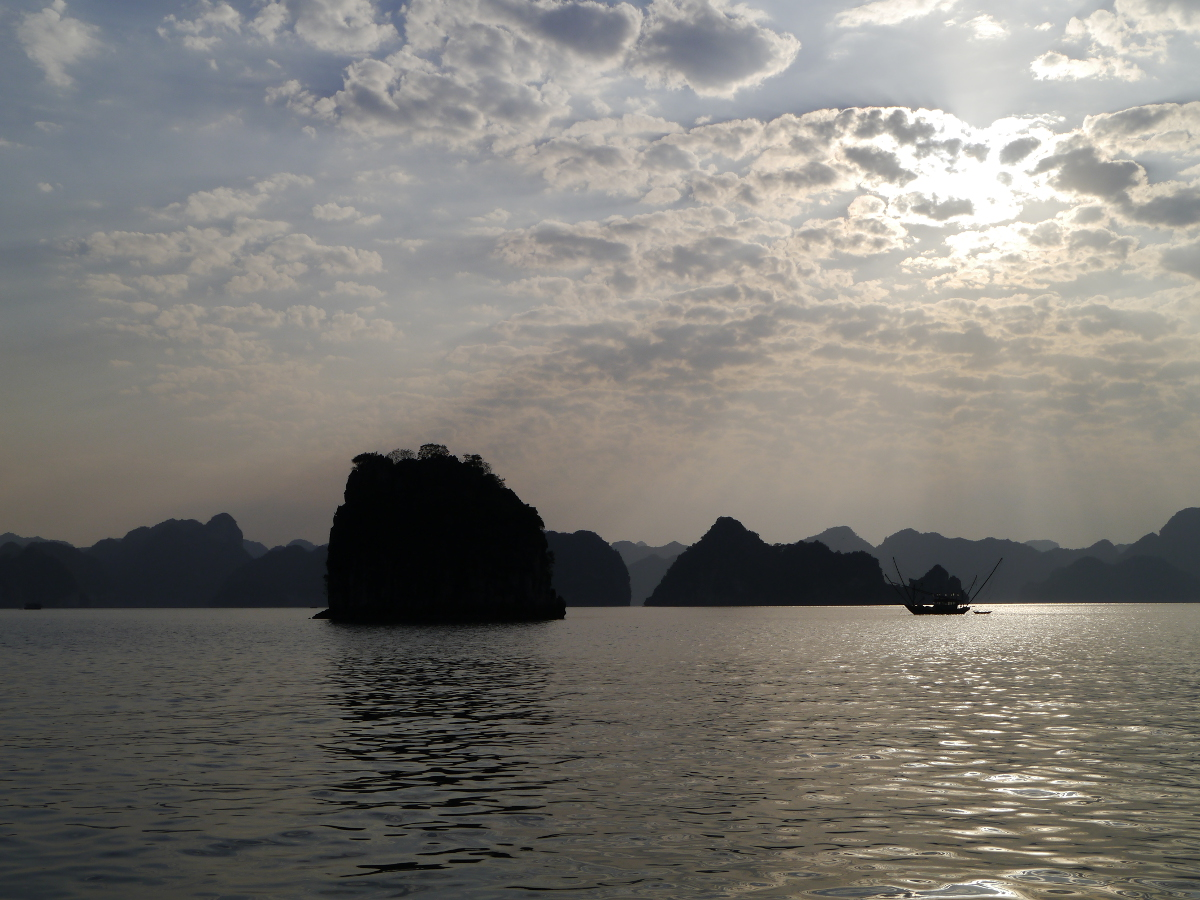 Halong Bay Sun Through the clouds